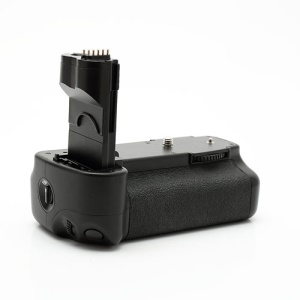 Canon BG-E2N Battery Grip for Canon 20D 30D 40D 50D Digital SLR Cameras (Retail Package)