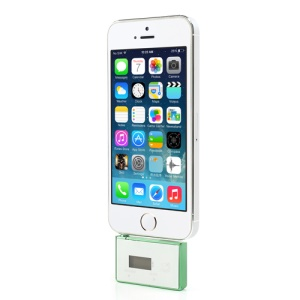 Car Kit 3.5mm Audio Hands-free Mic FM Transmitter for iPhone iPod Samsung Sony etc - White / Green