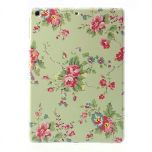 Peony on Light Green Background Plastic Cover for iPad Air 5
