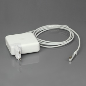 Apple 85W AC MagSafe Power Adapter for MacBook Pro 15-inch and 17-inch - EU Plug