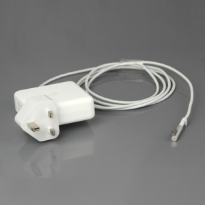 Apple 85W AC MagSafe Power Adapter for MacBook Pro 15-inch and 17-inch - UK Plug