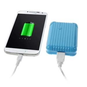 iFans EL-PB-18 5600mAh Backup Battery Power Bank w/ Flashlight for iPhone Samsung HTC Smartphones Tablets- Blue
