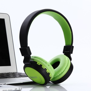 KD18 Foldable Stereo Headset Music Earphone with Microphone Support TF Card FM Radio AUX-in - Green