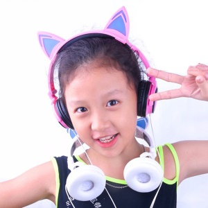 Cat Ear LED Light 3.5mm Plug Foldable Headphone Over-ear Music Headset for Phone/Tablet PC/Computer - Pink