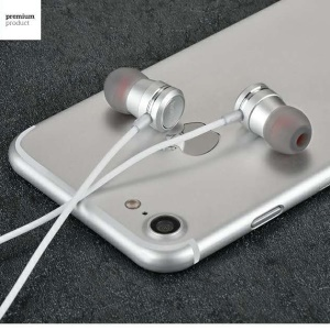 HOCO In-ear 3.5mm Wired Headphone with Microphone for iPhone Samsung - Silver