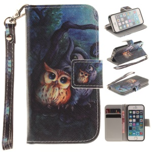 Patterned Magnet Wallet Leather Stand Shell for iPhone SE/5s/5 with Wrist Strap - Two Owls on Branch Painting