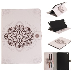 Patterned Smart Stand Leather Cover Case for iPad 9.7-inch (2017) - Stencil Pattern