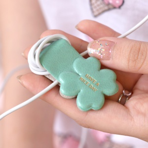 8THDAYS Magnetic Audio Cable Winder Pen Holder - Clover