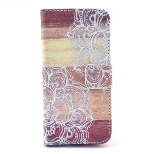 Henna Mandala Pattern Leather Stand Cover for iPhone 5c