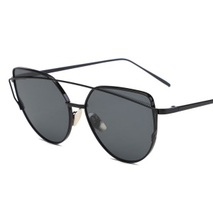 Vintage Women Metal Sunglasses Outdoor Polygonal Sunglasses - Black / Grey