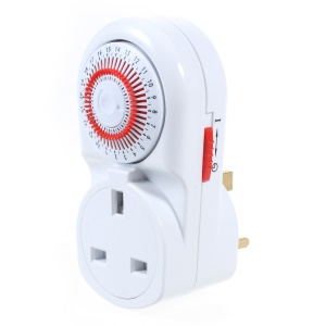 Indoor 24-Hour Mechanical Timer with Socket