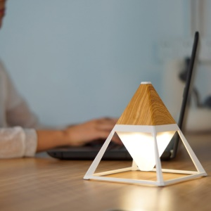 GX.DIFFUSER 6000mAh Wood Texture Pyramid Shape LED Table Light - Light Brown