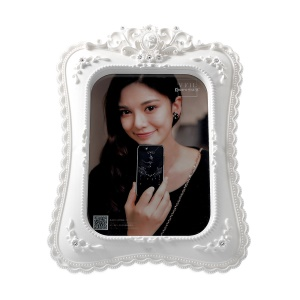 European Style Crystal Decor Flower Pattern Resin Photo Picture Frame for Photo in 5 x 7inch - White