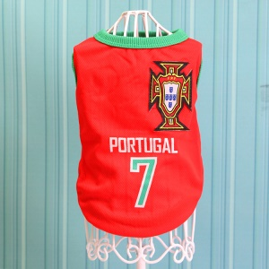 Size: M / Red Number 7 Portugal