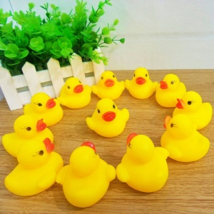 10Pcs/Bag Baby Cute Bath Rubber Ducks Squeaky Water Play Ducky Toys - Yellow