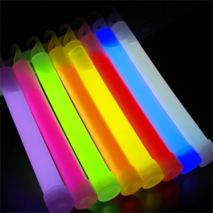6 inch Decoration Glowing Light Stick Outdoor Camping Emergency Light - Random Color