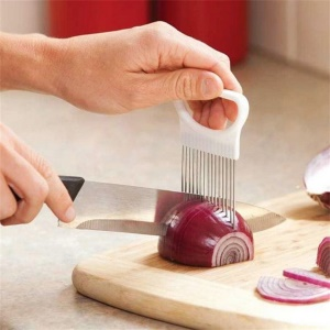 Slicing Cutter Holder Gadget Onion Vegetable Cutting Slicer Helper Useful Kitchen Tools - White